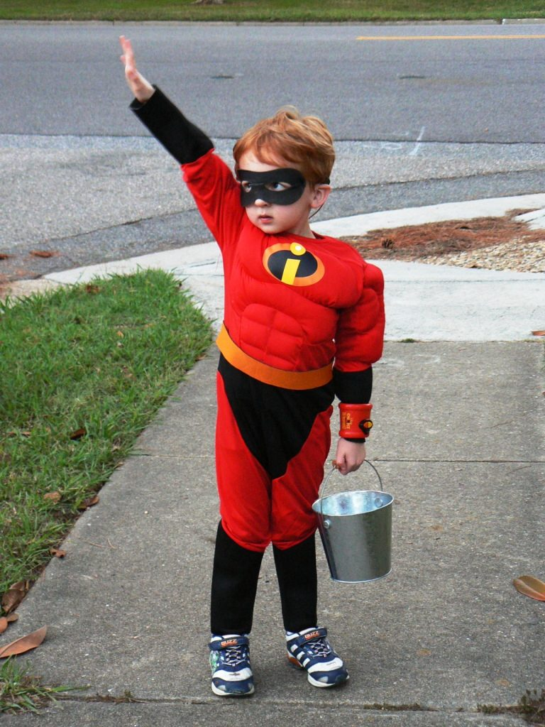 Mr. Incredible Halloween costume